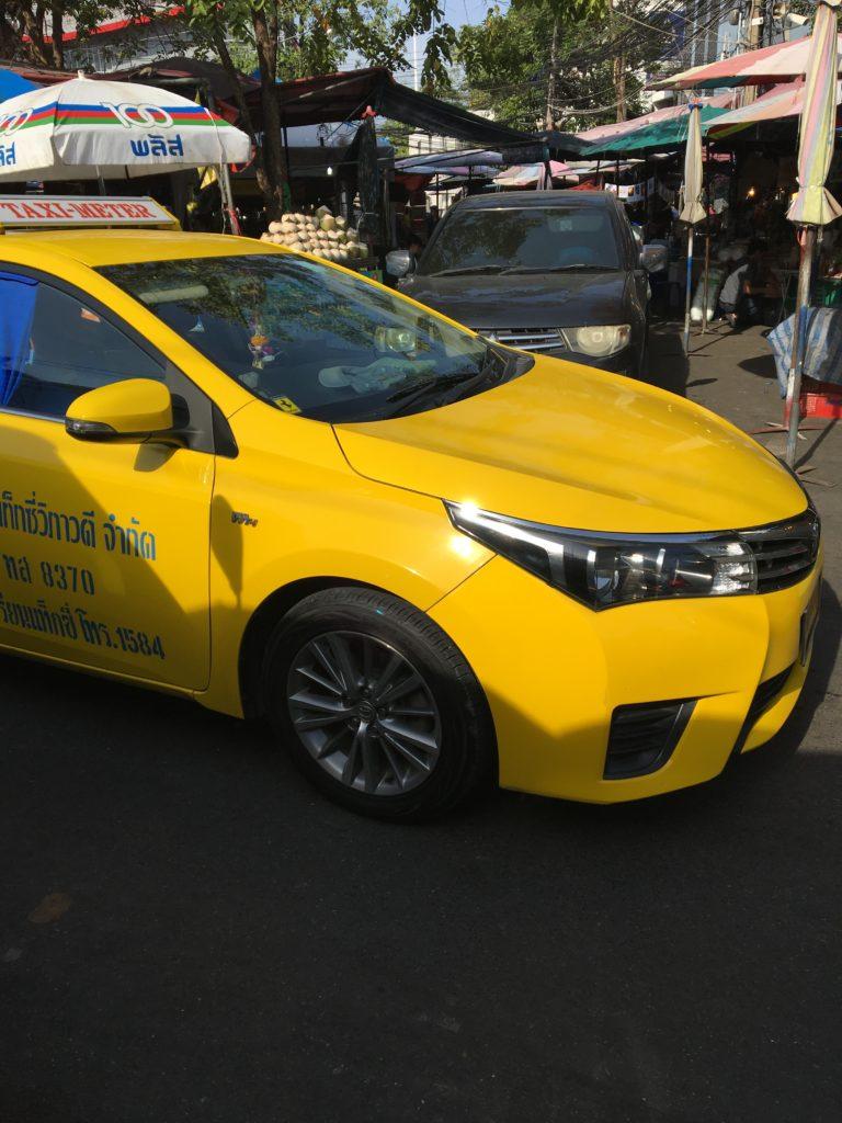 タイ タクシー 運転手,タイ タクシー 給料,タイ ぼったくりタクシー