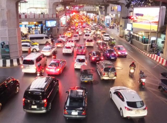 ドンムアン空港 タクシー 所要時間,ドンムアン空港 市内 タクシー,ドンムアン空港 タクシー 料金