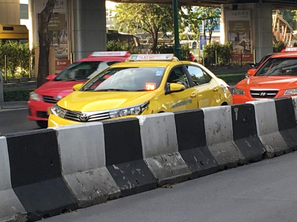 タイ タクシー 見分け方,タイ タクシー 運転手,タイ タクシー 対策